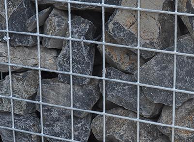 Pierres dans une clôture gabion DELCLO®