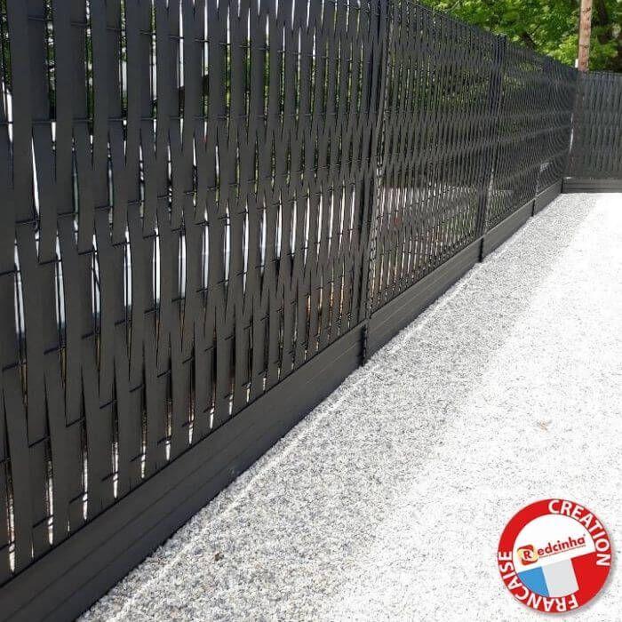 installation compoplak sur clôture rigide